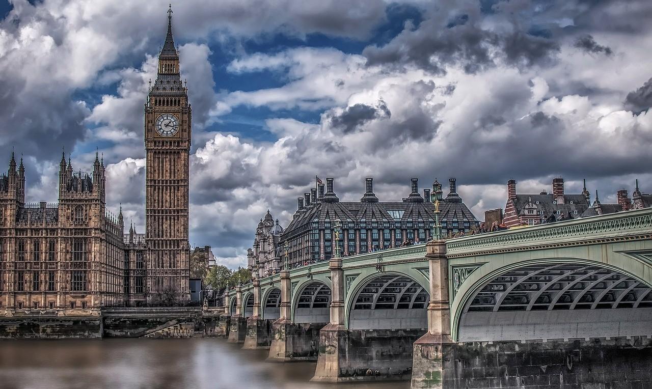 Tłumacz przysięgły online UK - biuro tłumaczeń online