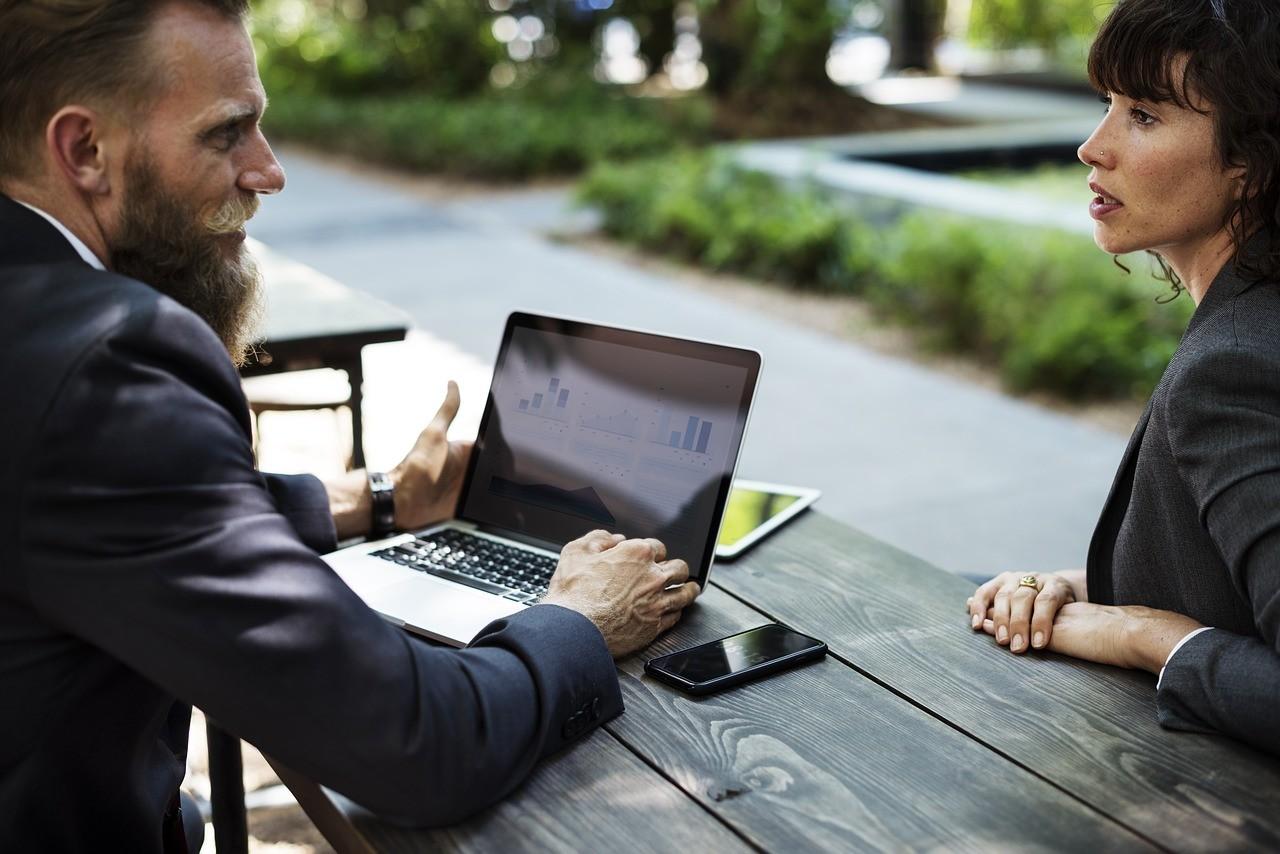 Tłumaczenia online - oferta biura tłumaczeń onlineonline-tools